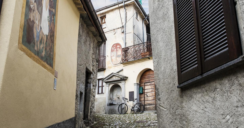 Borgo dipinto Arcumeggia, il Paese dei pittori, Varese.