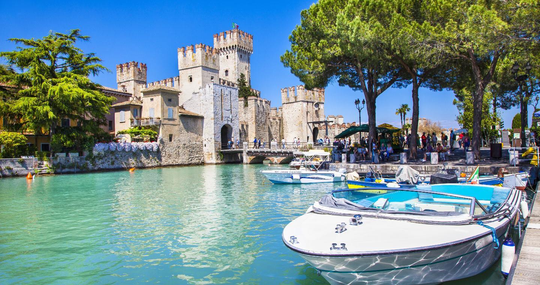 Il Castello Scaligero di Sirmione, Lago di Garda.
