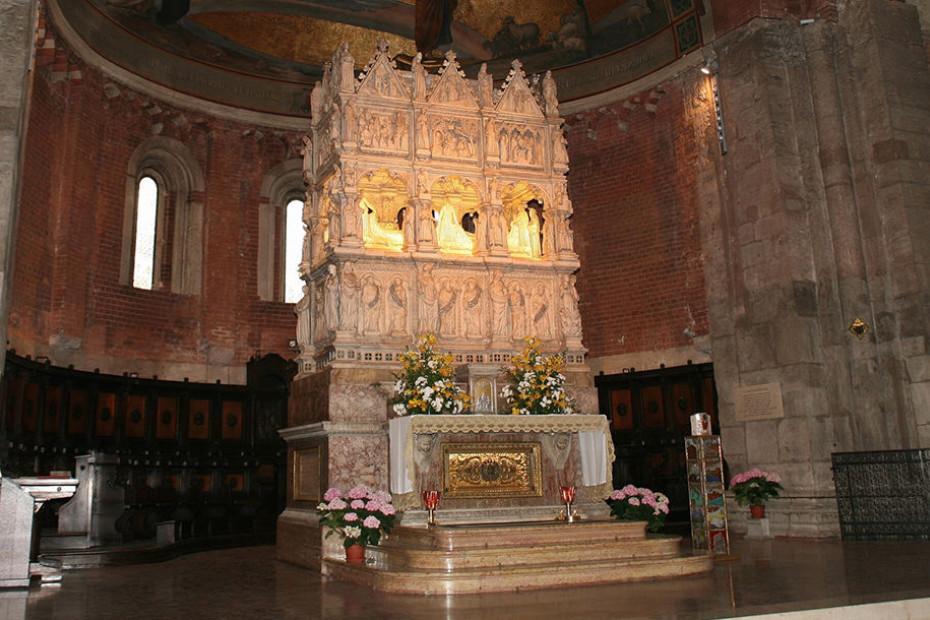 2. Basilica di San Pietro in Ciel d'Oro