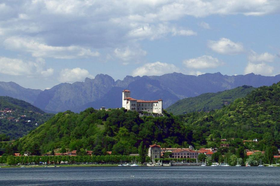 Cycling by Lake Maggiore: from Angera to Laveno