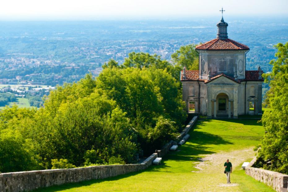 It has the Sacro Monte