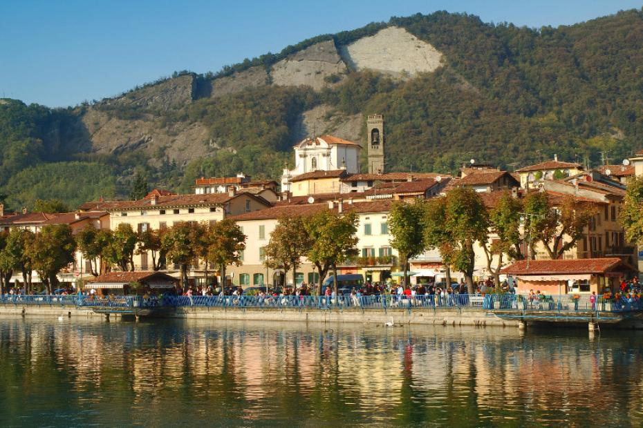 Romantic walks along the lakeshore, shopping and quiet at Sarnico or Iseo
