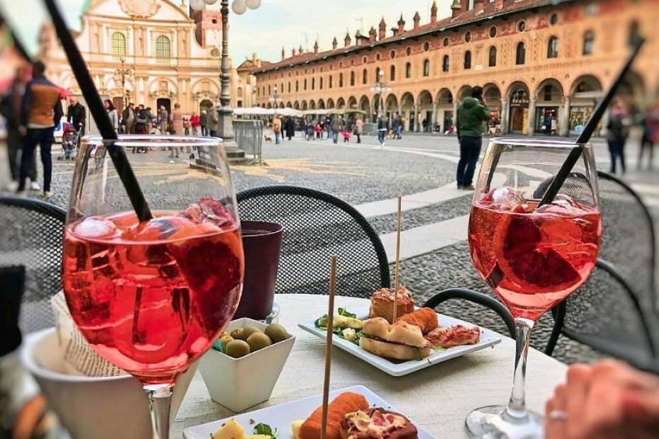 Summer Happy Hour at Vigevano's Piazza Ducale