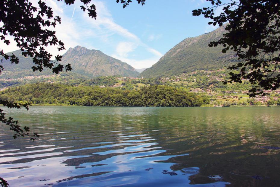 Lago di Piano: piccola perla immersa in una riserva naturale
