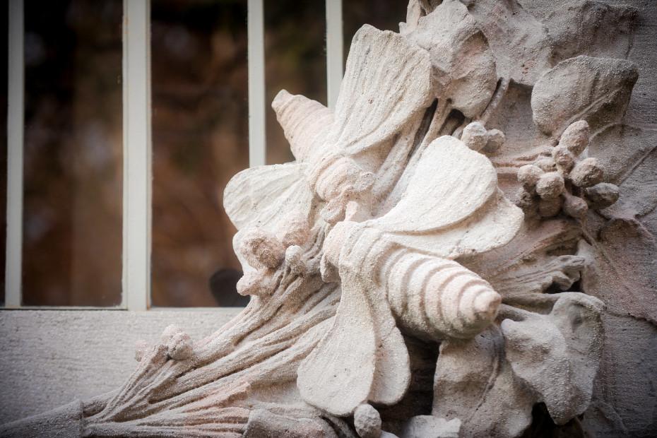 Dettaglio decorativo sulla facciata frontale della Villa