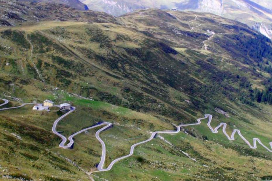 Il Passo dello Spluga tra Italia e Svizzera