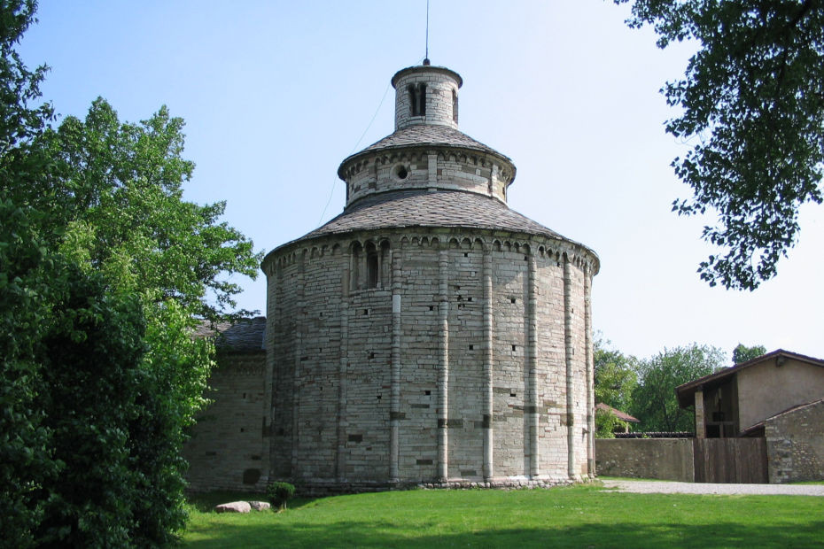2. Rotonda di San Tomè, Almenno San Bartolomeo (Bergamo)