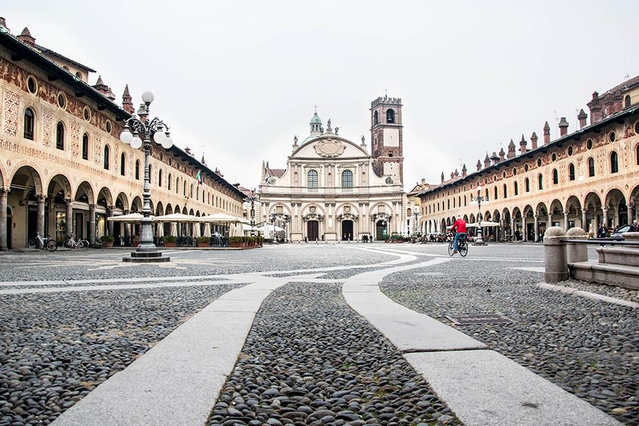 Piazza Ducale a Vigevano, il salotto d'Italia