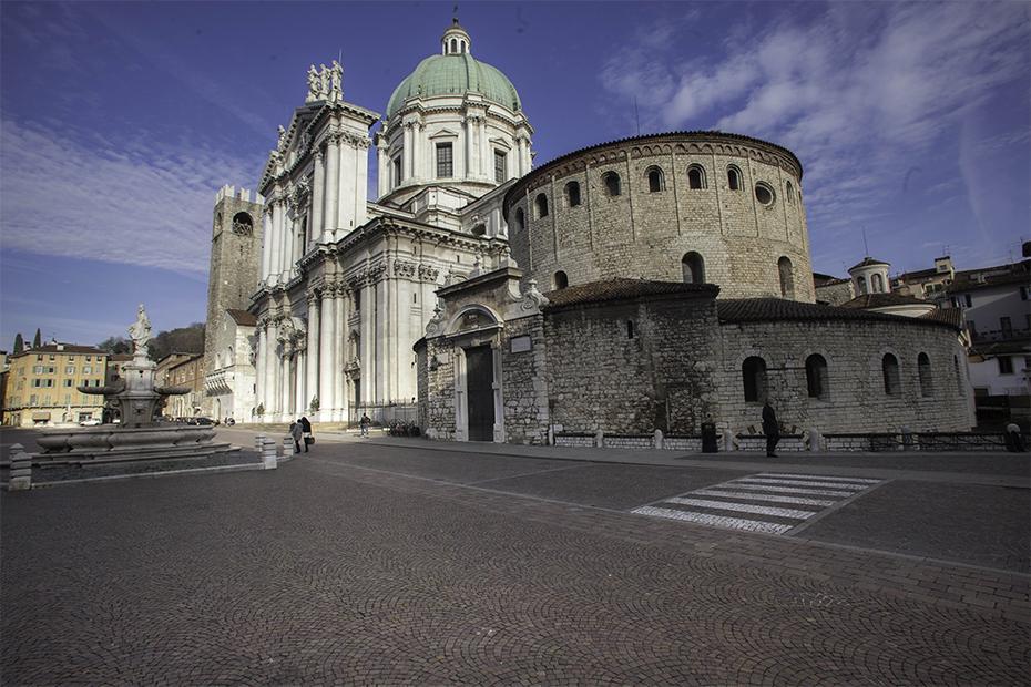 1. È una città con due cattedrali