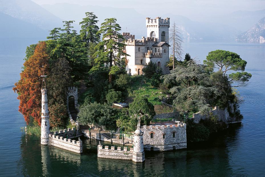 2. Un giro in barca sul lago