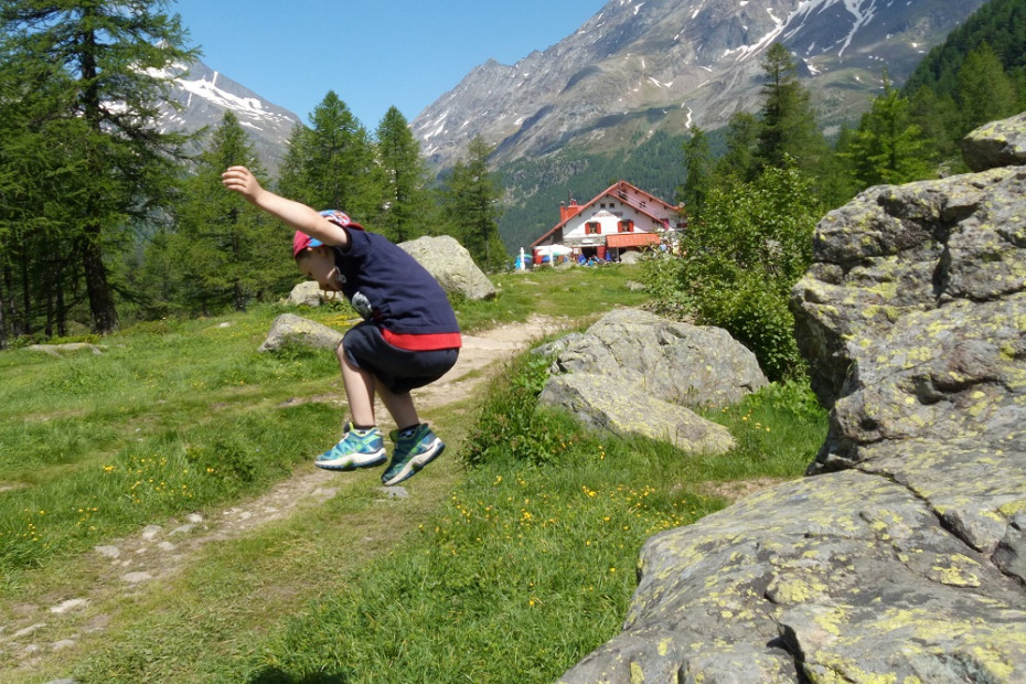 Da Chiareggio (il paese delle marmotte) all'Alpe Ventina. Sentiero glaciologico.