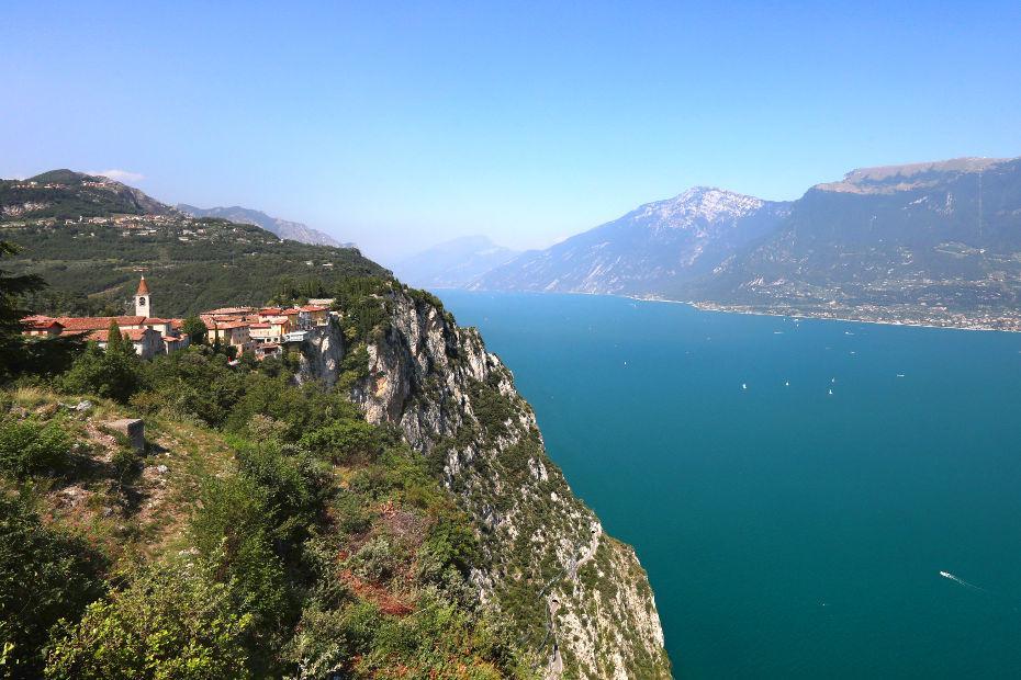 Garda: viaggio vista lago, dal sapore mediterraneo