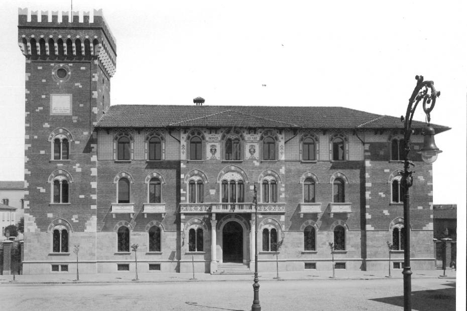 Il Palazzo Comunale appena edificato nel 1931