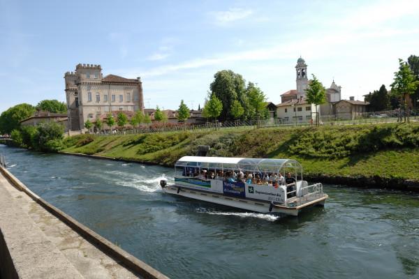 Navigazione nei pressi di Palazzo Archinto