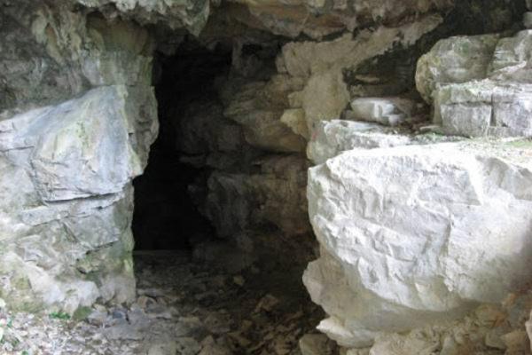 Grotta del Buco dell'Orso, Laglio, CO (Ph: Comune di Laglio)
