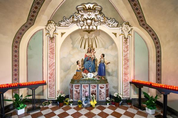 Santuario di Ardesio - la statua della Madonna