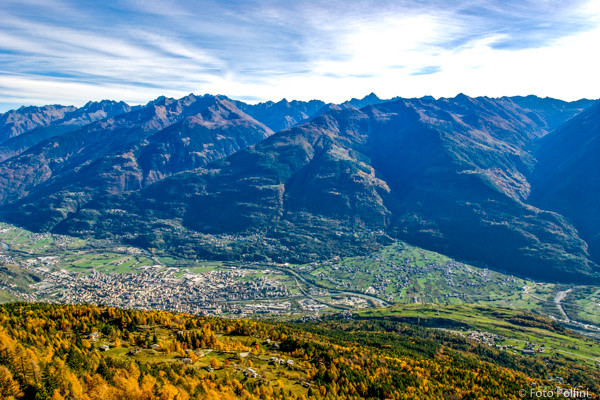 Dall'Alpe Poverzone panorama su Sondrio e le Orobie
