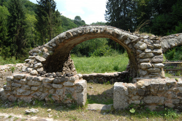 particolare arcata Forno Fusorio
