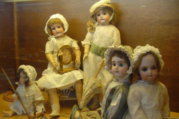 Bambole de Museo del Giocattolo Santo Stefano Lodigiano