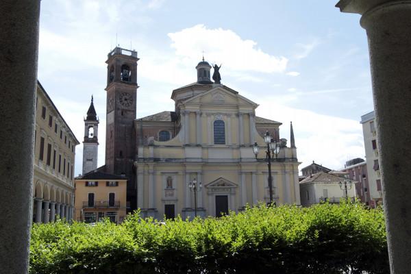 Garlasco Parrocchiale  intitolata alla Beata Vergine Assunta e a san Francesco Saverio