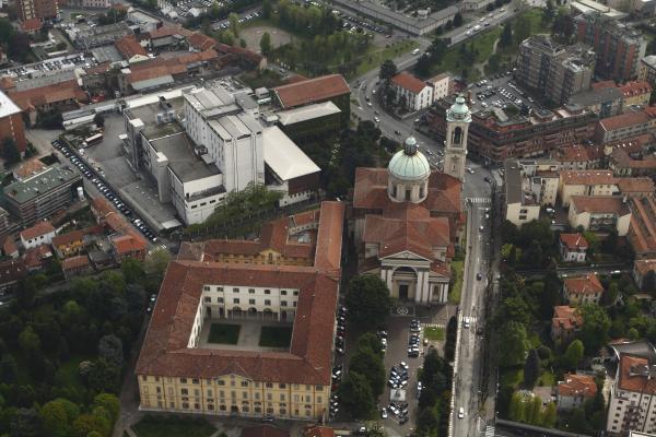 Il Santuario e il Collegio degli Oblati visti dall'alto - foto di Vittore Marciandi